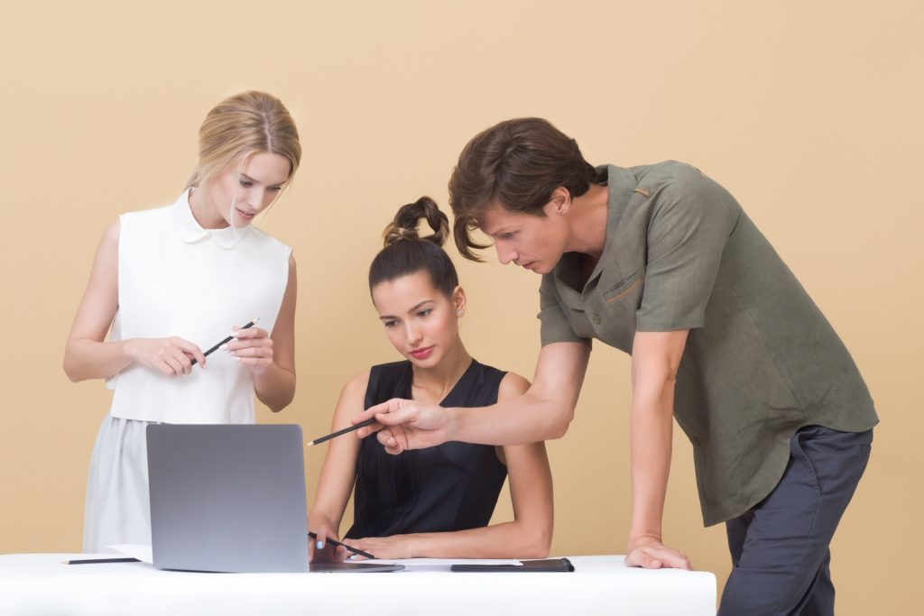 Die Digitalisierung verschiebt Märkte. Entsprechend wächst der Bedarf an Innovatoren, wobei eine unpopuläre Methode abhilfe leisten kann: Intrapreneurship.
