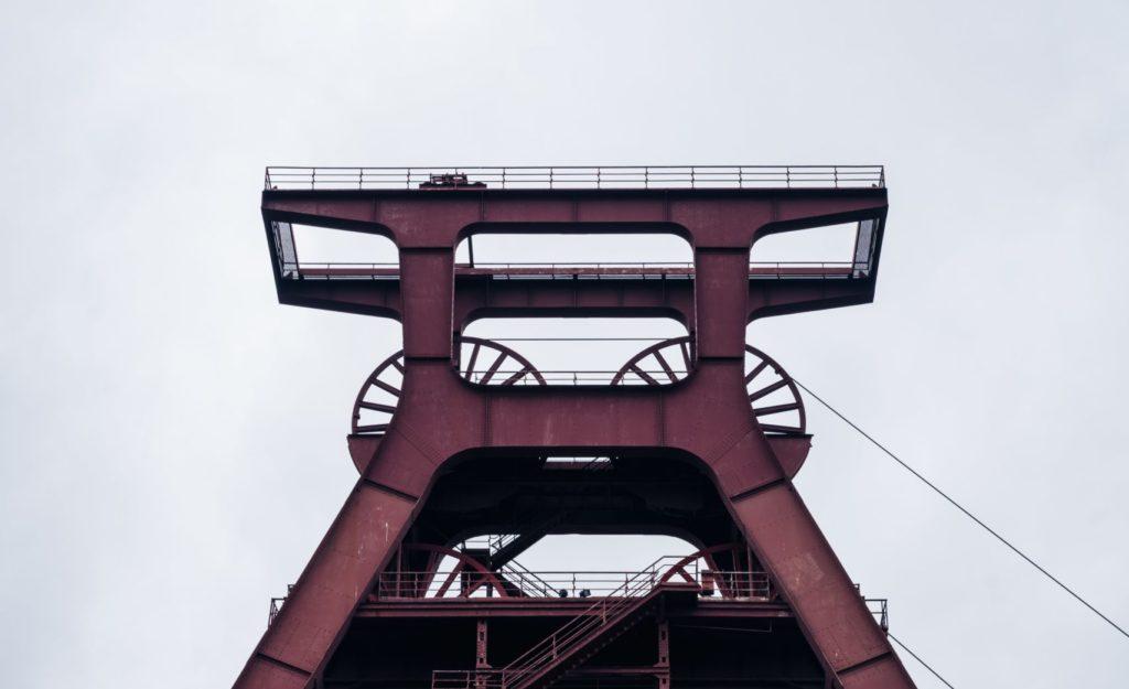 Das Ruhrgebiet ist eine Region der Widersprüche: arm und reich, gut und schlecht, erfolgreich und misslungen existieren dicht beieinander. Aber genau darin liegt seine Stärke. Eigentlich ist das Ruhrgebiet ein großer, zusammenhängender Inkubator für Innovationen.