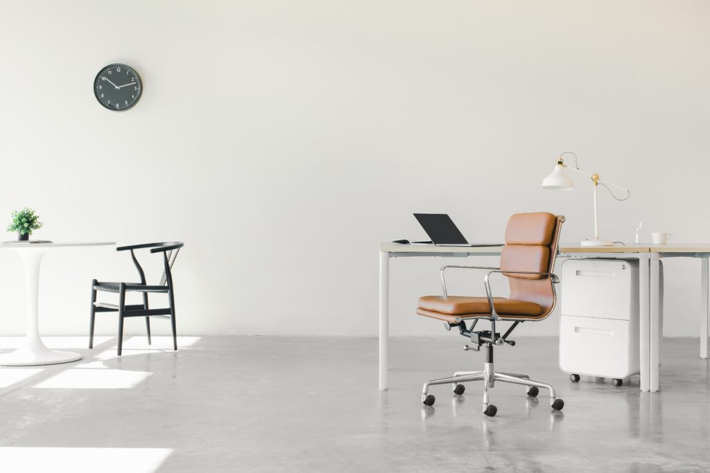 """An welchen Orten wird die Büro- und Wissensarbeit zukünftig stattfinden und wie müssen diese Umgebungen im Einzelnen gestaltet sein? Diese Fragen, die bei Unternehmen immer mehr in den Fokus rücken, erforscht das Fraunhofer IAO in der Studie »Office Analytics« im Rahmen des Verbundforschungsprojekts """"Office 21®""""."""