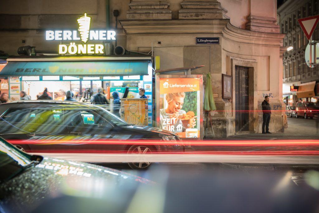 Der Döner im Brot ist so deutsch wie die Currywurst. Trotzdem kommt das Original aus der Türkei. Durch eine kleine Produktinnovation ist der Döner mächtiger als McDonald's.