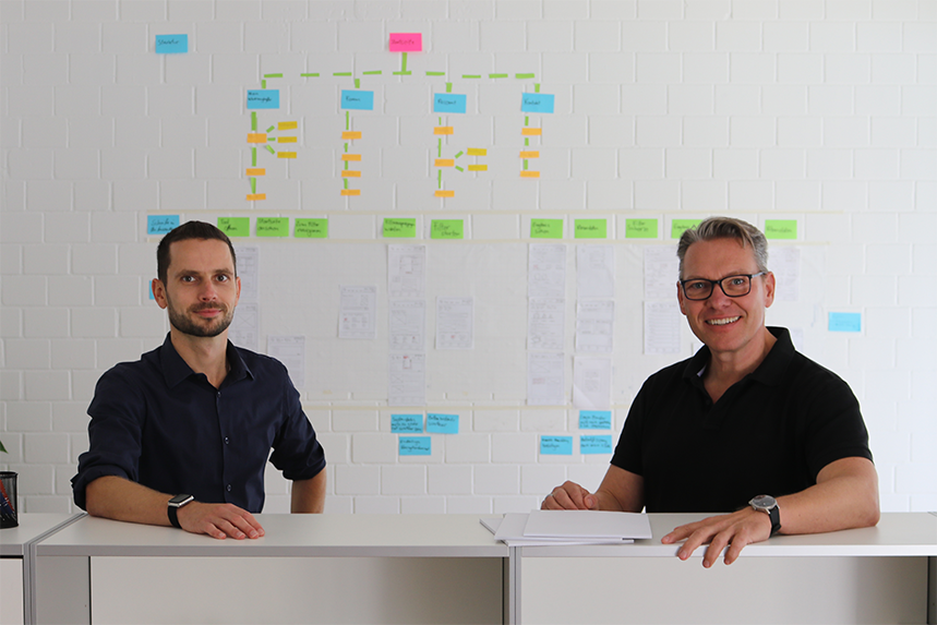 Über welche Handlungsoptionen verfügen Unternehmen, wenn die Welt um sie herum sich verändert? Jesko Schneider und Bernd Austinat empfehlen ihnen, nicht Lösungen einzukaufen, sondern Lösungskompetenz aufzubauen. Exklusives Interview über Hierarchien, Management im Mittelbau und die Funktion von Visionen.